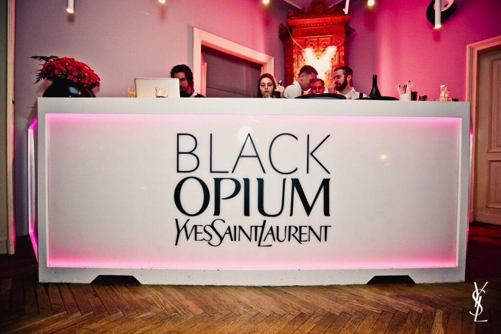 Yves Saint Laurent_Black Opium_Eau de Toilette_18
