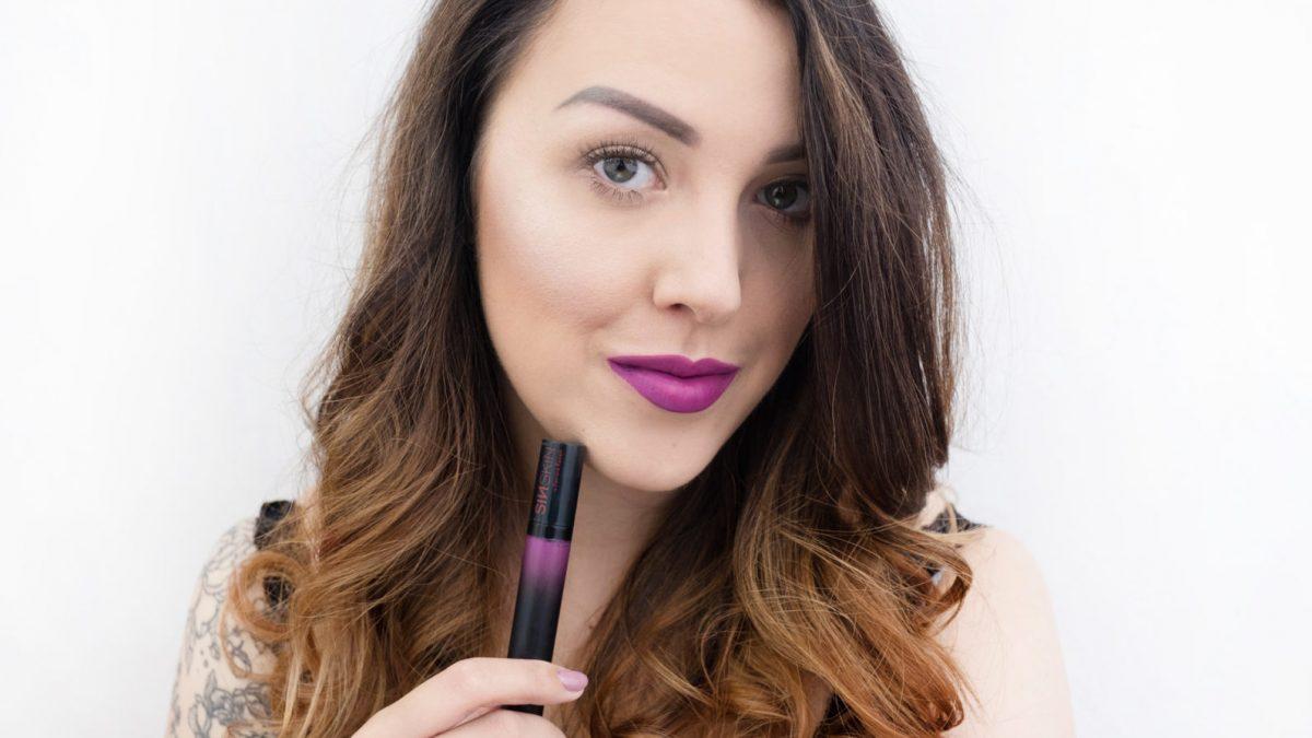 Prosty makijaż z focusem na usta – zrób go krok po kroku