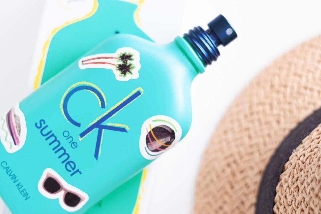 One Summer nowy zapach unisex od Calvin Klein butelka perfum z naklejkami
